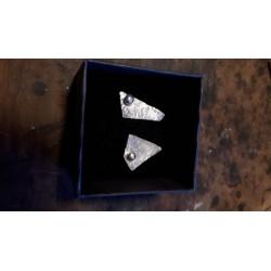 Cercei asimetrici din argint texturat