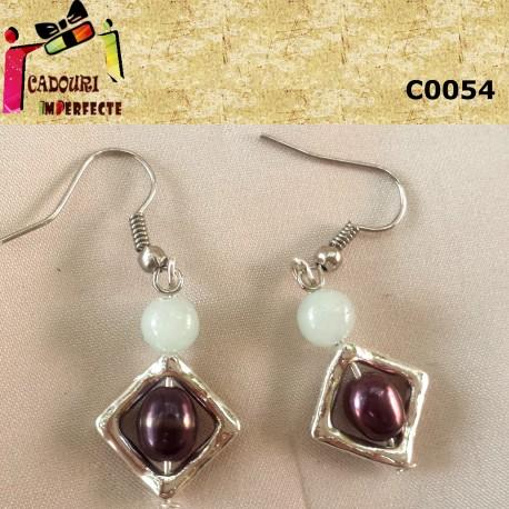 Cercei jad alb perle de cultura violet cadru rombic