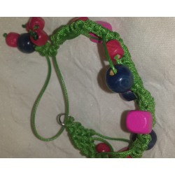 Bratara handmade  verde cu margele de lemn colorate